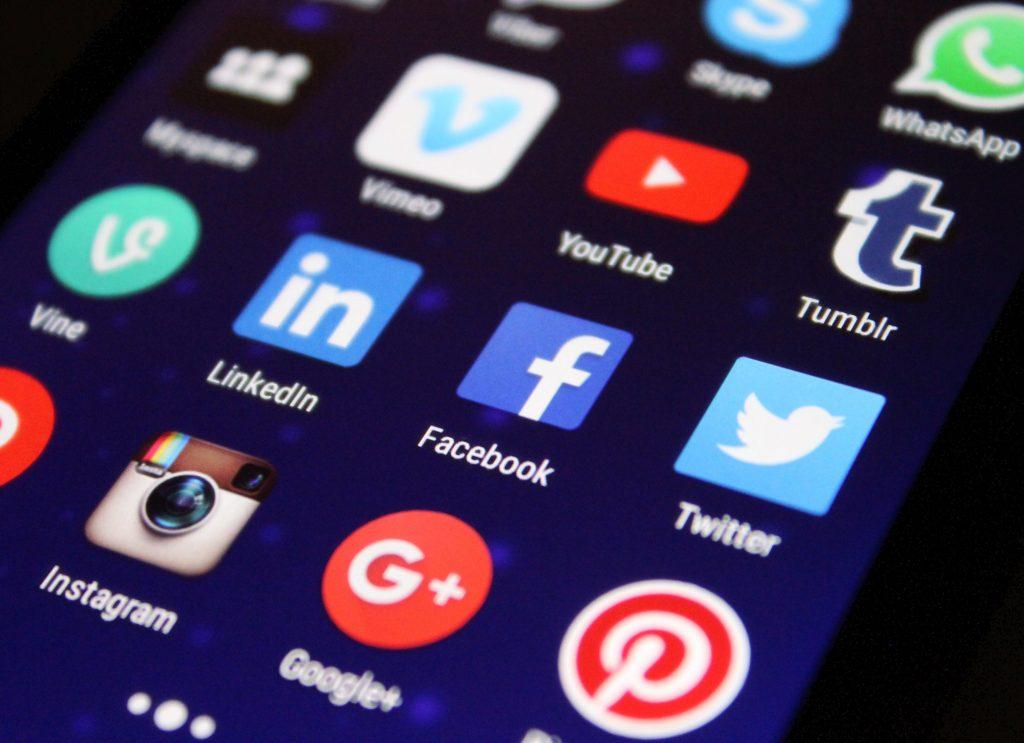 How to avoid Social Media addiction