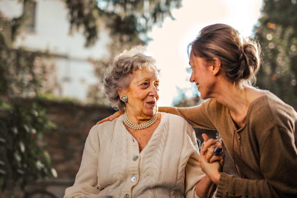 बढ़ती उम्र में कैसे रखे अपना ख़याल